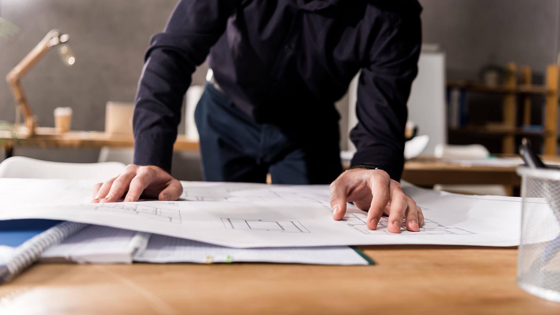 Utarbeidelse om søknad om tiltak Nabovarsler Opplysninger om tiltakets ytre rammer Koordinattabell Lokal godkjenning til kunde Kontrollere prosjektet i forhold til arealplan, lov og forskrift Utarbeide gjennomføringsplan Utarbeide beskrivelsesbrev, -selge prosjektet til kommunen Beregne utnyttelsesgraden for tiltaket/eiendommen